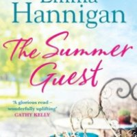 The Summer Guest - Emma Hannigan
