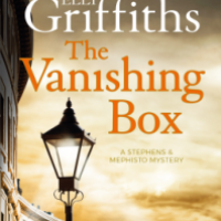 The Vanishing Box – Elly Griffiths